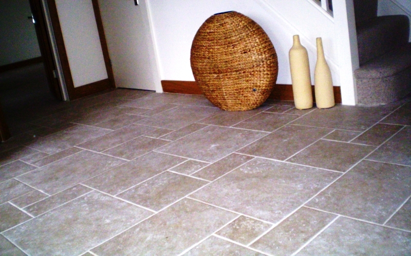 Tumble travertine opas patten, great for walking on with shoes, this is my favourite design and easy to lay.